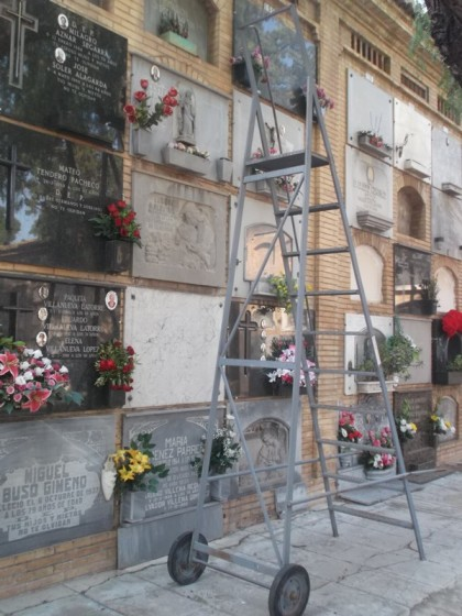 Bloques de nichos en cementerios